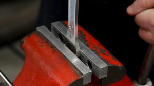 Pressing with the vise